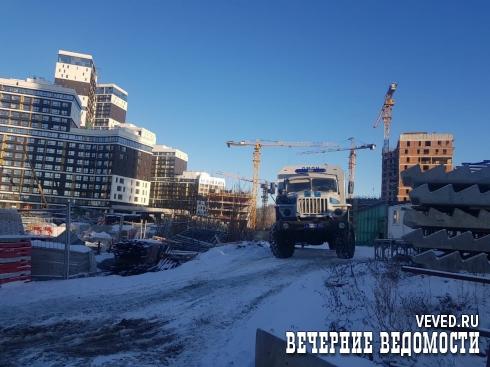 Оперативники ФСБ задержали 30 мигрантов на стройплощадке элитного ЖК в Екатеринбурге