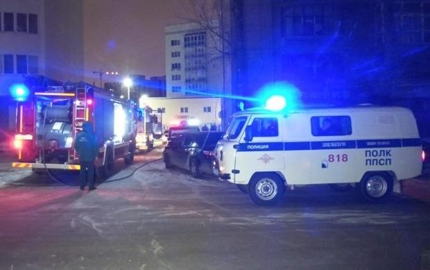Ночью в Екатеринбурге сгорел элитный внедорожник