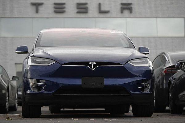 Рыночная капитализация Tesla впервый раз превысила $100 млрд