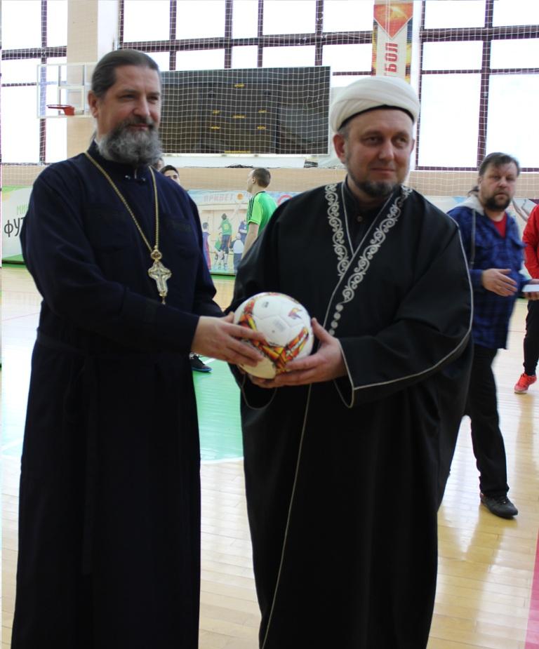 Межконфессиональный турнир по мини-футболу прошел в Полевском