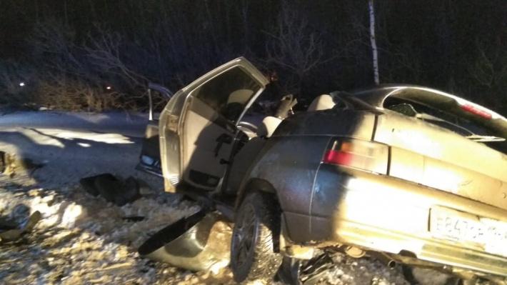 В лобовом ДТП под Екатеринбургом погибли пять человек
