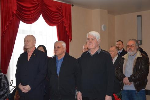 В Екатеринбурге простились с легендарным сыщиком Олегом Черновым
