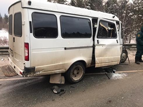На трассе Екатеринбург – Пермь в результате столкновения двух «Газелей» погиб человек