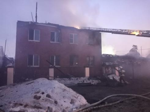 В Екатеринбурге сгорел реабилитационный центр, площадь горения составила 300 «квадратов»