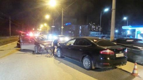 В Екатеринбурге произошло ДТП с тремя пострадавшими