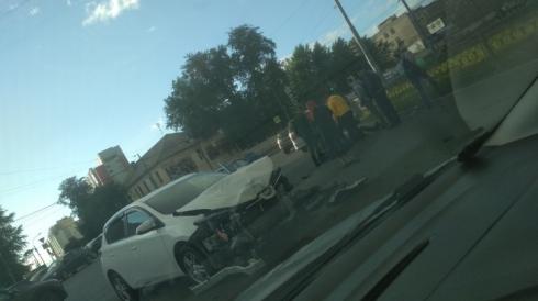 В Екатеринбурге автомобиль сбил мотоциклиста