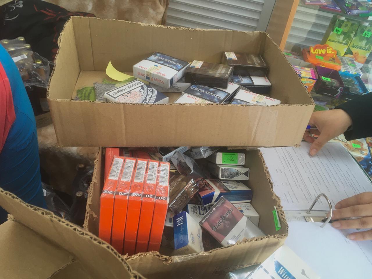Нелегальный алкоголь и сигареты изъяли  в торговой точке Екатеринбурга