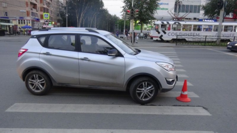 В Екатеринбурге 8-летнего велосипедиста сбила машина
